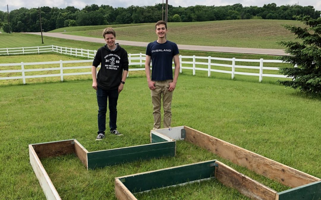 Saturday was an afternoon of saw dust and drills at Hold Your Horses as members of local robotics teams designed and constructed new raised planters for Hold Your Horses. The plots will become sensory gardens for clients across our healing spectrum.